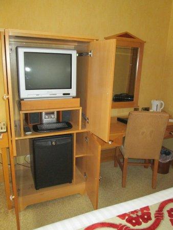 Enfield, Irlandia: TV-Schrank, Safe