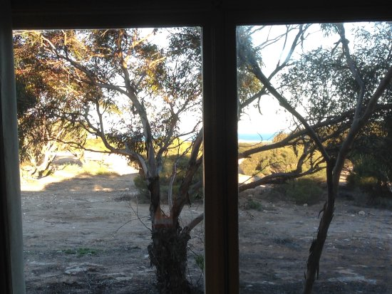 Eucla, Australia: Not a clear photo but there is a glimpse of the Southern Ocean
