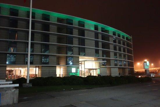 Holiday Inn Santiago Airport: Exterior