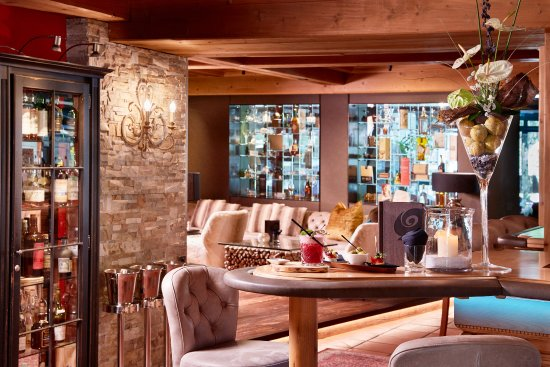 Hotel Quelle Nature Spa Resort: Bar Ambiente