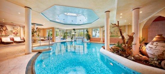 Hotel Quelle Nature Spa Resort: Mosaikhallenbad
