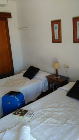 Hostal Miguel: Twin room 205