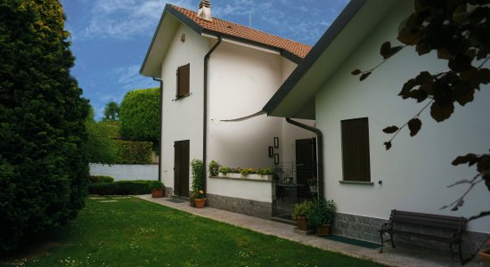 Casnate Con Bernate, Italië: esterno1
