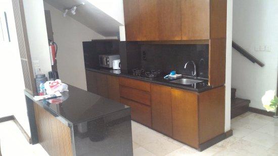Kanishka Villas: kitchen