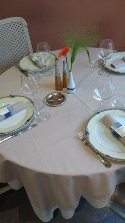 Les Rosiers sur Loire, Francia: Tasteful Table Setting