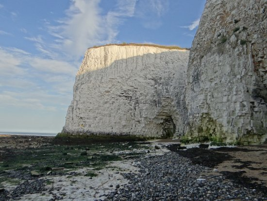 Kingsgate, UK: The white cliffs near Botany Bay Hotel