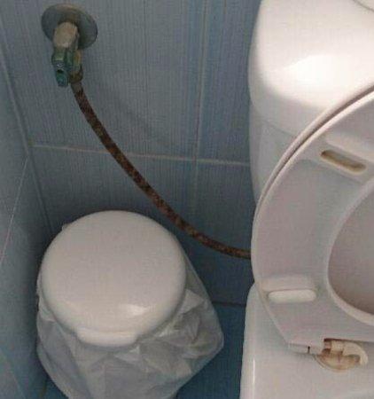 Tinos Beach Hotel: Δεν ήξερα οτι ένα σπιράλ μπορεί να σκουριάσει τόσο...