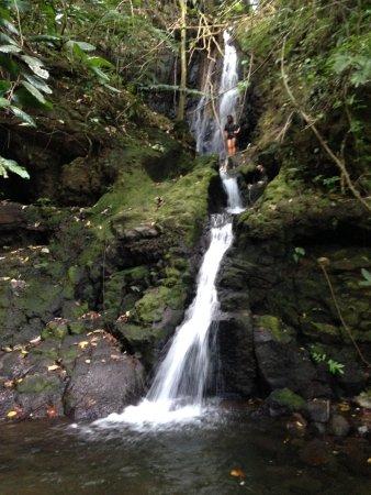 Teahupoo, Polinesia Francesa: 🌴🌺🌼💖
