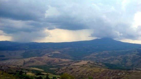 Radicofani, Italia: Temporale verso la valle del Paglia