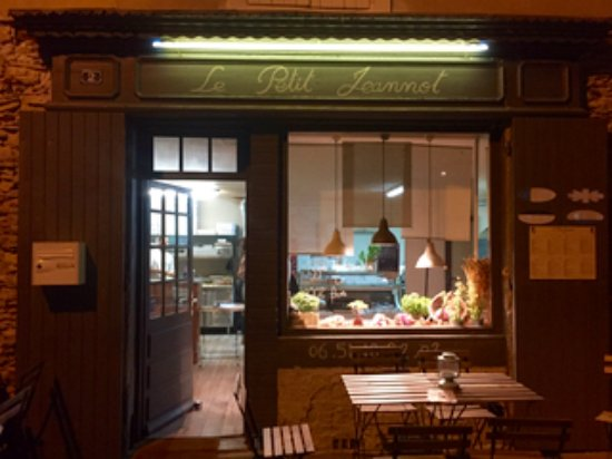 September evening at Le Petit Jeannot.