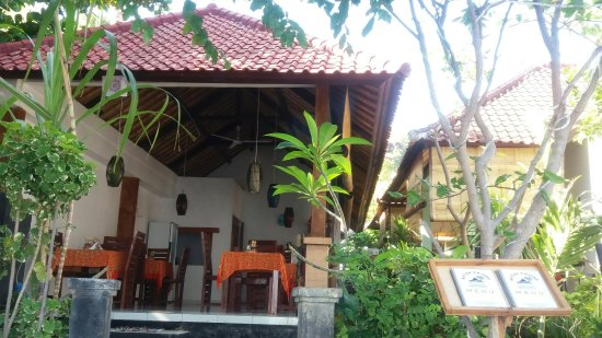Beten Enjung Home Stay: Welcome to beten enjung homestay&waroeng