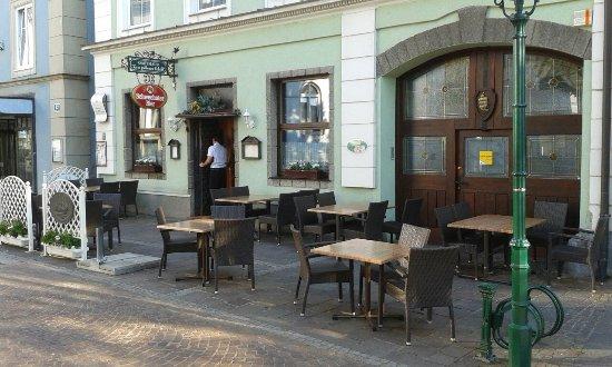 Tulln, Österrike: Zum Goldenen Schiff
