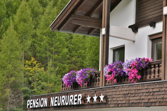 Pension Neururer: Hausansicht