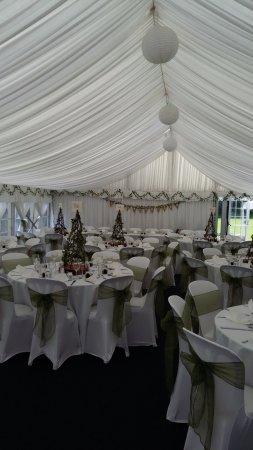 Par, UK: Wedding set up