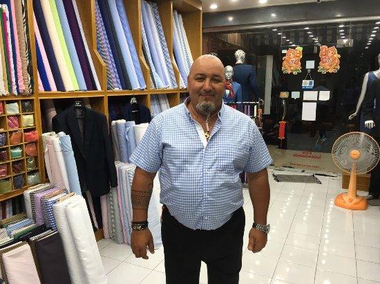 บ่อผุด, ไทย: Designers shirt
