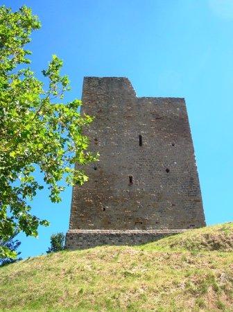 Castello di Isola