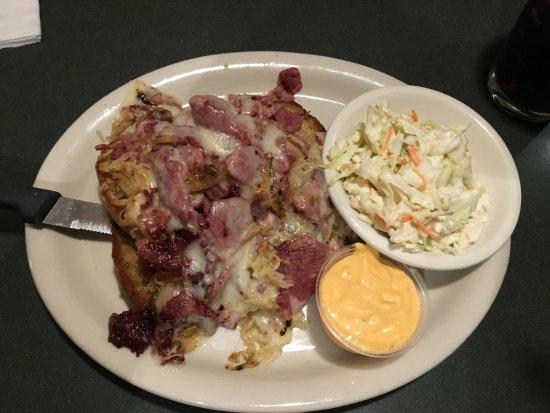 Macedon, NY: Flaherty's (Flag's) - my Reuben sandwich