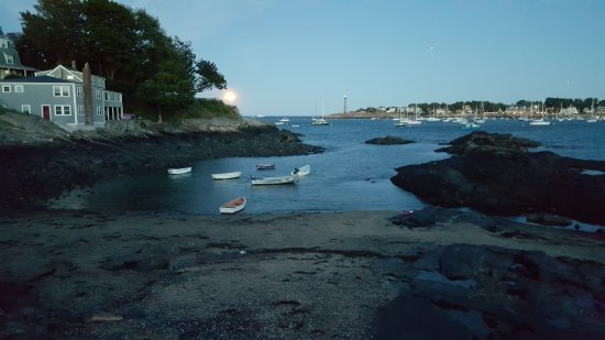 Marblehead, MA: Moonrise just down from Fort Sewall