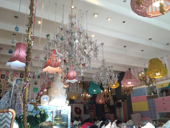 Im gonna swing from the chandelier which one hahaa picture vanilla cupcake bakery global photo0g aloadofball Images