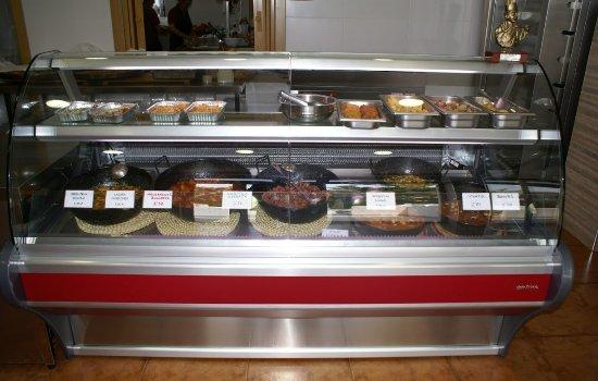 Chiva, Hiszpania: Gran variedad de productos, tanto platos principales como entrantes.