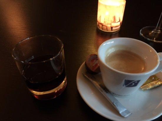 Spijkenisse, Nederländerna: Koffie met een Tia Maria