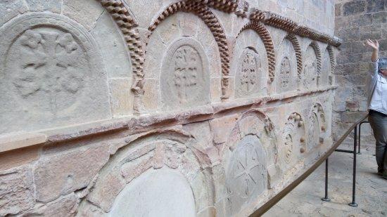 San Juan de la Peña: Tumbas