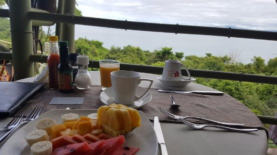 Issimo Suites Boutique Hotel and Spa: Breakfast