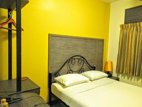 Rambuttri Village Inn & Plaza: IMG_20160910_204016_large.jpg
