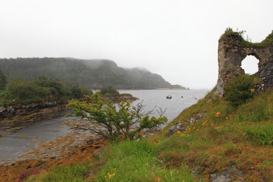 Lochcarron, UK: Strome Castle