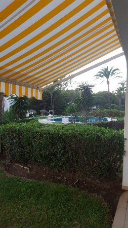 Coral Beach Aparthotel: 20160918_202148_large.jpg