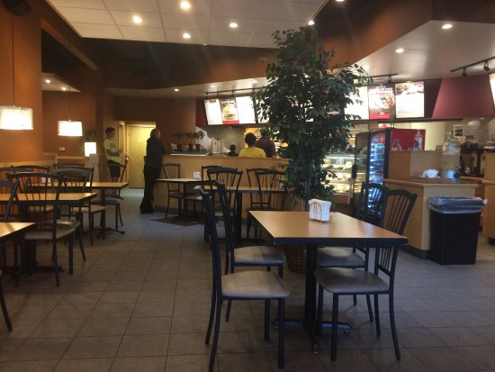 Jenison, Мичиган: This restaurant is still open and doing well.