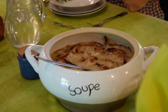 "Salignac-Eyvigues, Γαλλία: la tradition du ""chibrot"""
