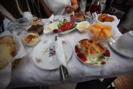Hotel Nasho Vruho: Breakfast