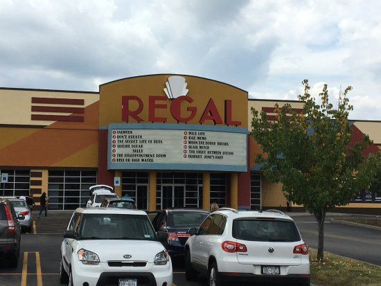 Regal Eastview Mall 13 : Regal East - outside