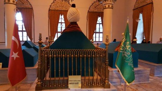 Osman Bey sandukası - Picture of Tombs of Osman and Orhan ...