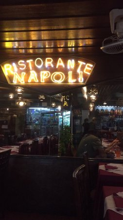 Napoli Ristorante Pizzeria: Very delicious and saved me when I was starving between spicy Thai foods