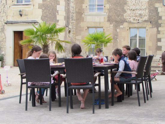 Loire Valley Retreat: Children eating together
