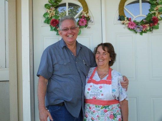 Rose Walk Inn : Jim and Verda