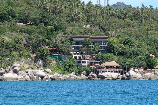 Dusit Buncha Resort: вид на отель с моря