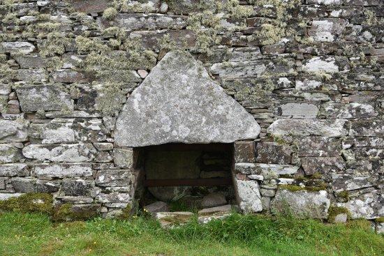 Altnaharra, UK: Dun Dornaigil & loch Eriboll