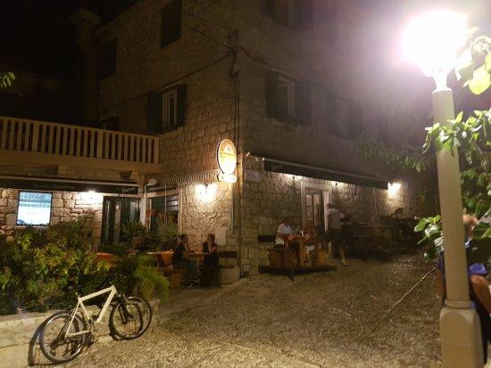 Postira, Croatia: Außenansicht