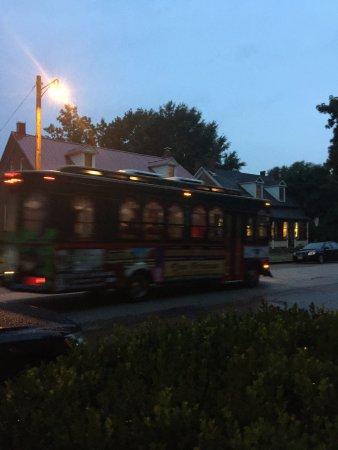 Hermann, MO: Trolley passing our B&B
