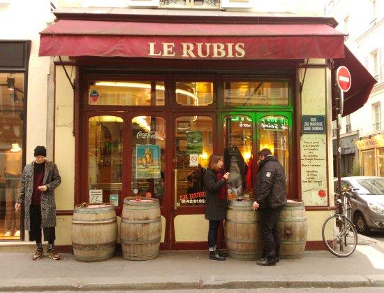 Photo of French Restaurant Le Rubis at 10 Rue Du Marche Saint Honore, Paris 75001, France