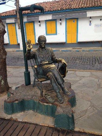Buzios, RJ: Estátua de JK na Orla Bardot