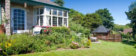 Isle of Purbeck, UK: Garden and House