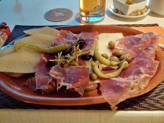 El Toro, İspanya: Pamb Oli - Jamon Iberico e Queso
