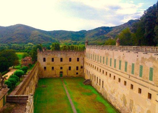 Battaglia Terme, Italia: cortile interno
