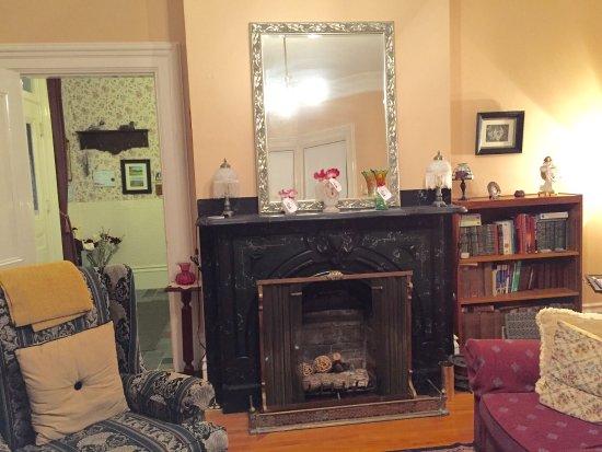 Jonah Place: Living room