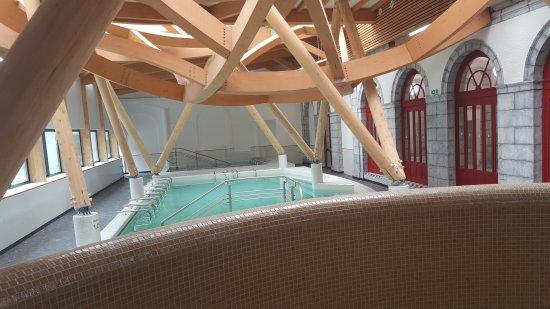 Thermes Eaux-Bonnes piscine