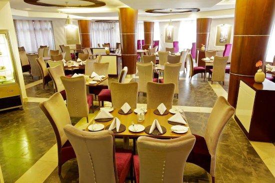 MotiMahal Authentic Indian Restaurant - Best Western Plus Peninsula Hotel